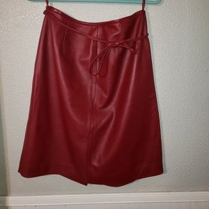 Lord & Taylor red leather skirt sz 12